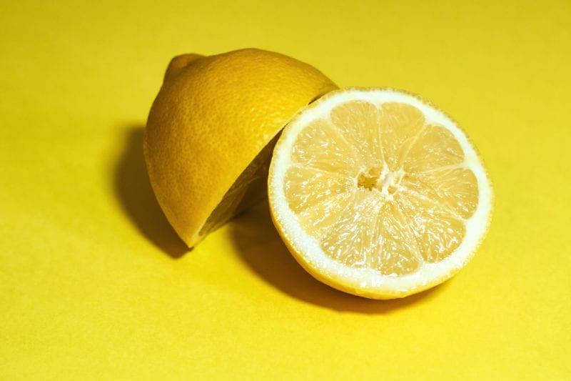 Die Zitrone als Hausmittel