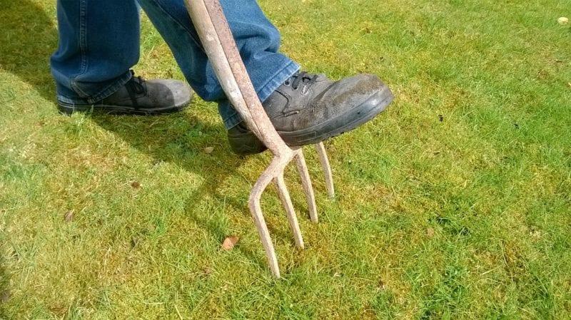 Versenkbarer Rasensprenger installieren