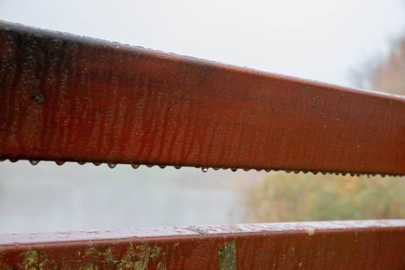 Holzmöbel Regen