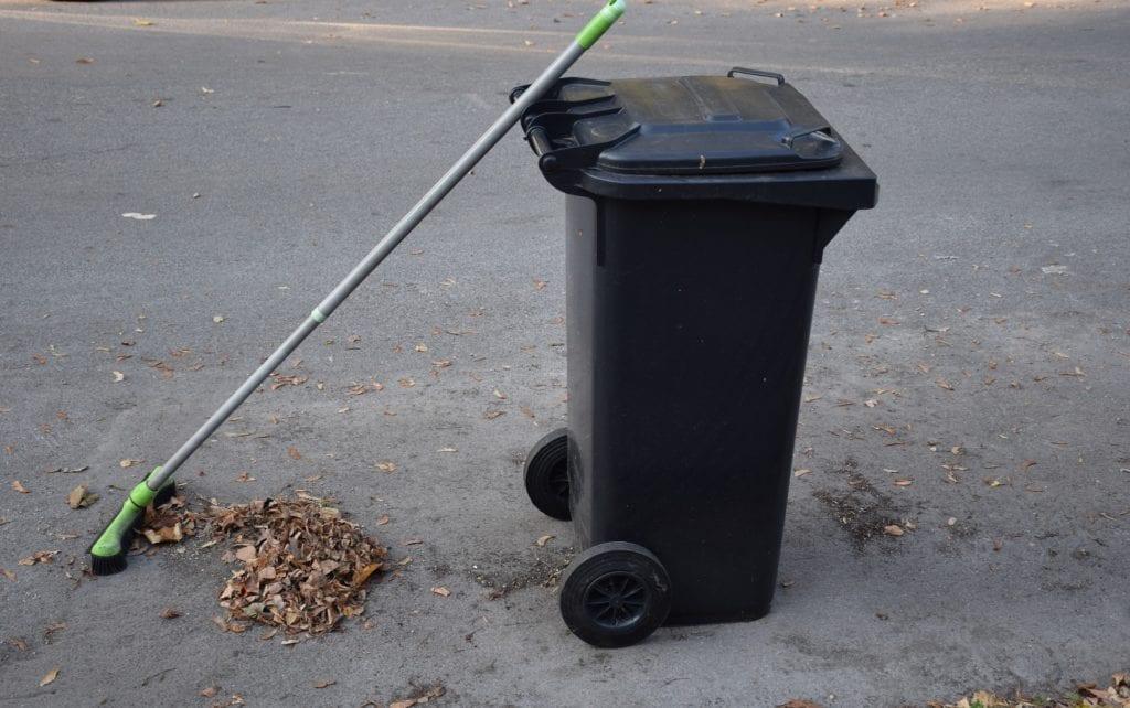 Geschlossene Mülltonne