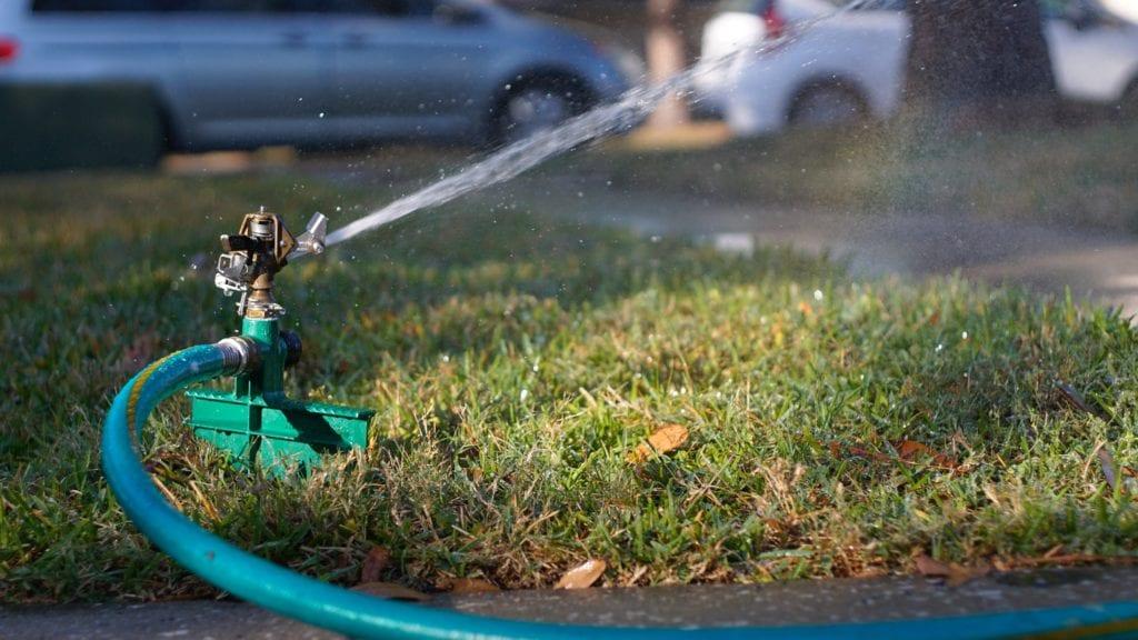 Rasen - Wasser ausbringen