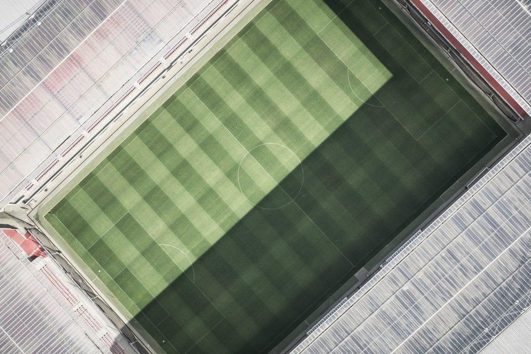 Streifen Fußballrasen